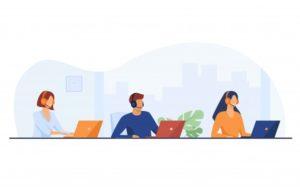 representants-du-support-client-travaillant-dans-centre-appels